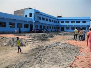 buss-Baghmara-Indien-schoolyard