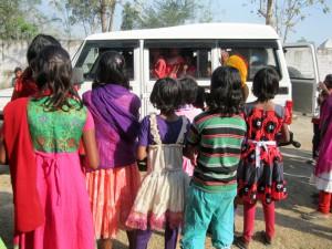 buss-Baghmara-Indien-students